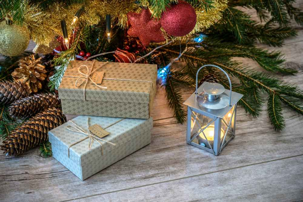 balls bow boxes candle